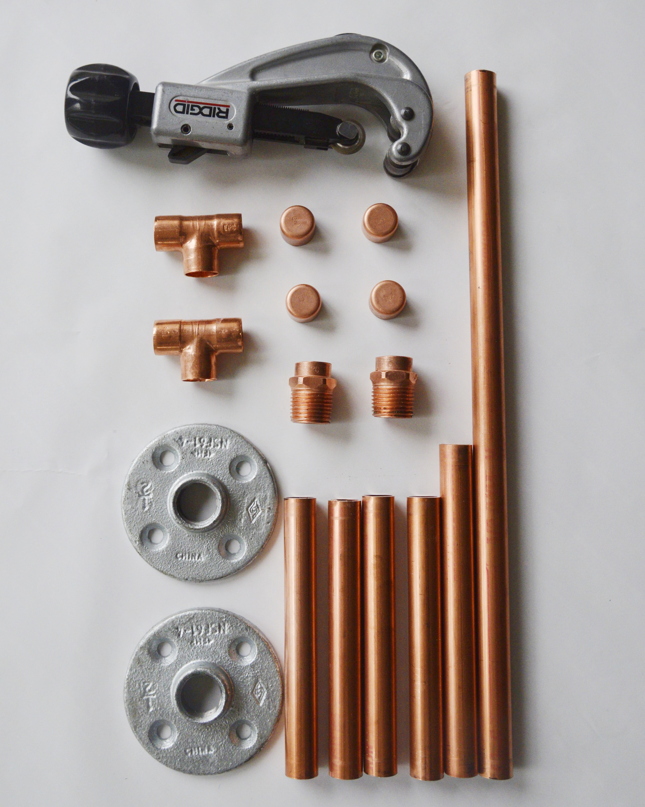 Diy copper pipe jewelry stand and marble base casa bachelor for Copper pipe jewelry stand